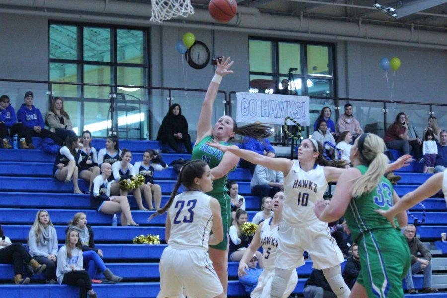 The Roger Williams University women's basketball team earned their ninth consecutive victory on Tuesday evening vs. Salve Regina University 71-63.
