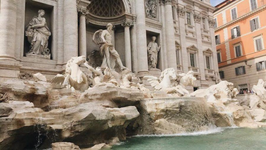 Rosalita captures a photo of the Trevi Fountain in Italy.