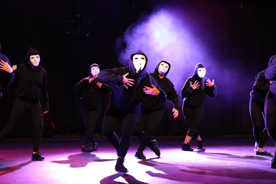 Senior+Cassie+Myers%27+choreographed+%22Jabbawockeez%22+inspired+by+the+famous+dance+group.