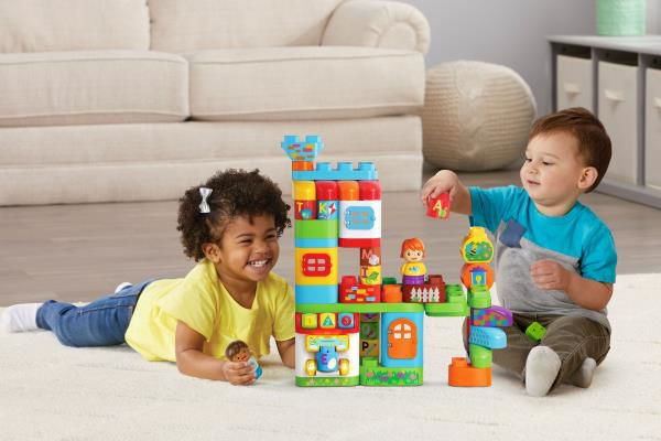 3+Reasons+Preschoolers+Should+Play+with+Building+Blocks