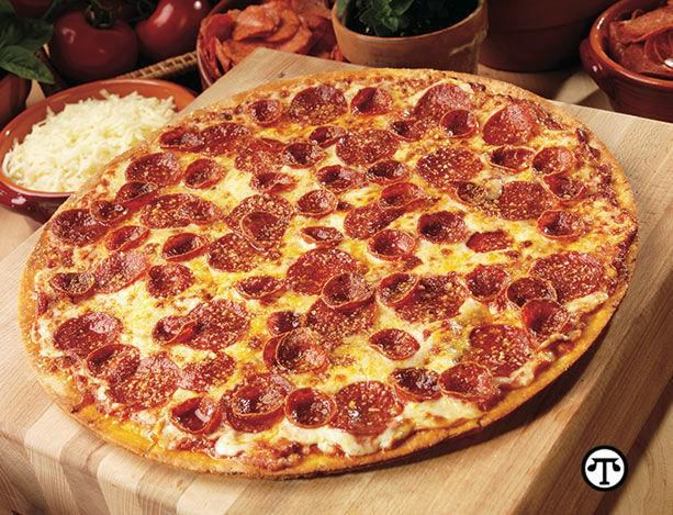 Foodies+Flock+To+Old+World+Pepperoni%E2%84%A0+And+Spark+Heated+Pepperoni+Pizza+Debate