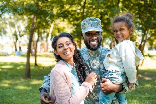 Mejores formas de mantener conectadas a las familias militares