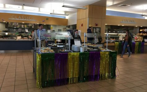 MSU and Commons decorate for Mardi Gras.