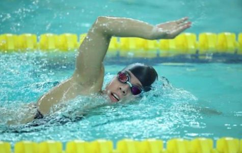 Allegra Iacovino participates in distance events for the Women's Swimming and Diving team.