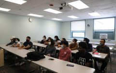 Students in Karen Bilotti and Dr. Zoila Quezadas First Year Learning Community meet for 50 minutes on Wednesdays.